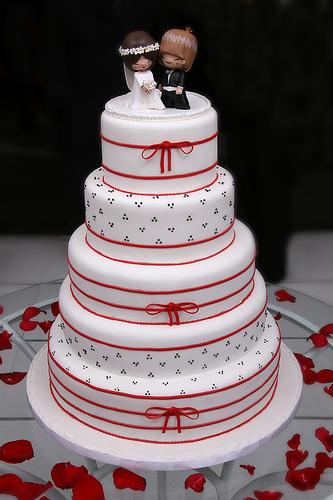 Bolo-Casamento-Fitas-Vermelhas