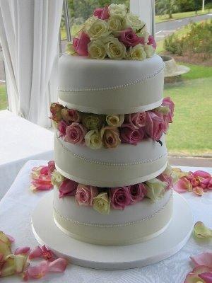 Como-Escolher-o-Bolo-de-Casamento-4
