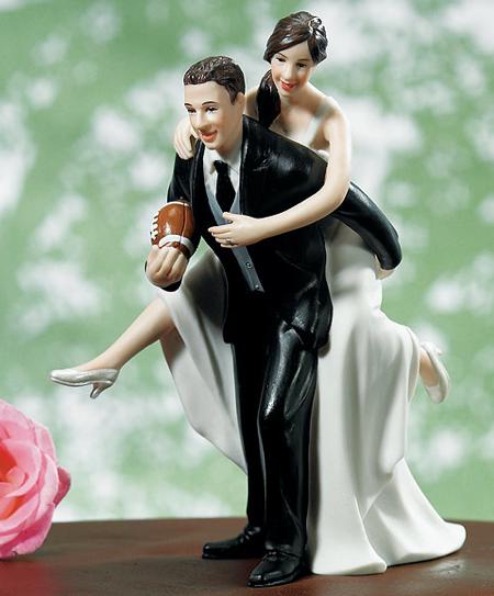 casamento_bolos_tipos_de_bolo_decoração_bonecos_noivos_
