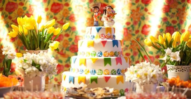 decoracao-do-casamento-de-vivian-silveira--rodrigo-cicconi-inspirada-em-festa-junina-o-casamento-para-aproximadamente-180-convidados-foi-realizado-em-cotia-sp-em-junho-de-2012-1370618381285_956x500