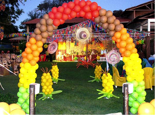 festa-sao-joao-decoracao-baloes